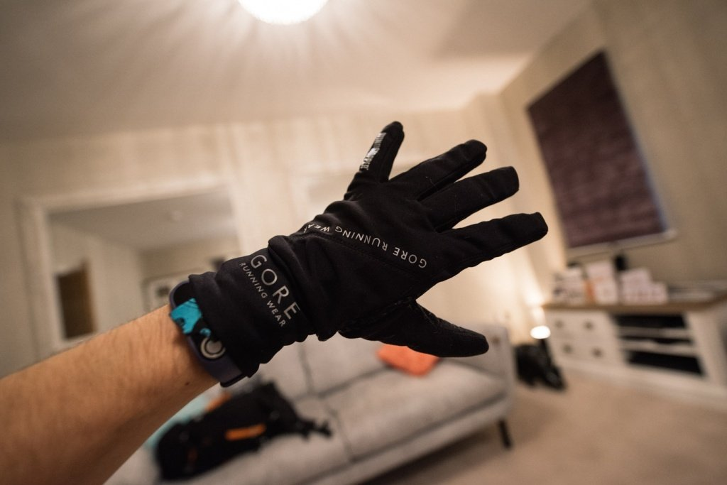 gore runwear fusion - windstopper gloves back-6