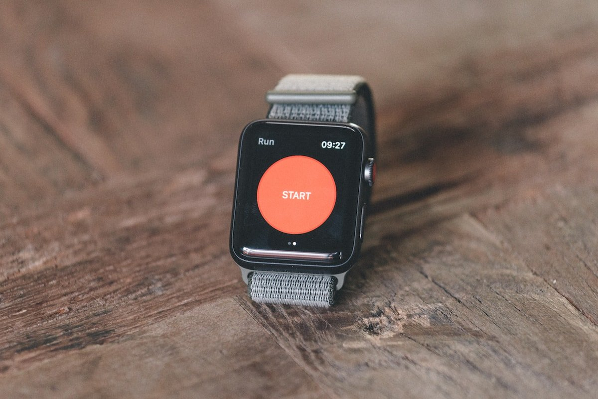 Running with the Apple Watch Series 3 and Strava | Trail & Kale