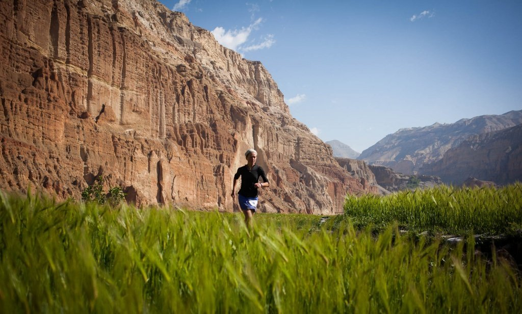 Lizzy Hawker Runner Book Review - Trail & Kale - Richard Bull Photography