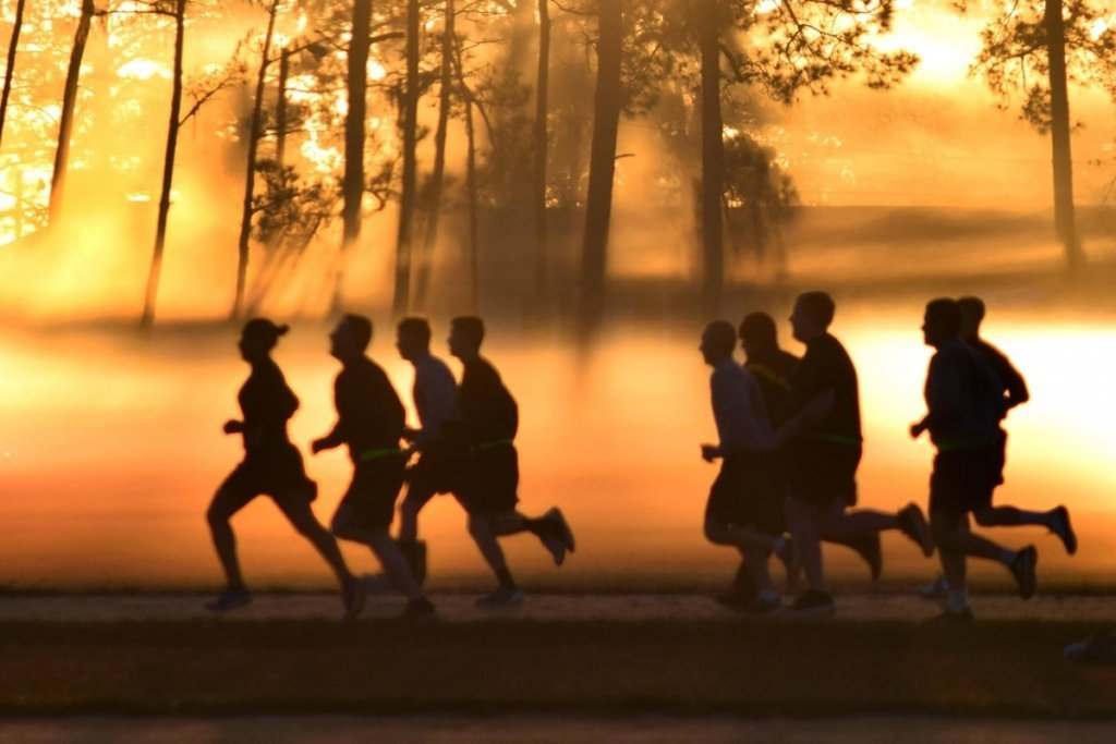 How to Become a Morning Runner - 4 Tips for Early Morning Workouts