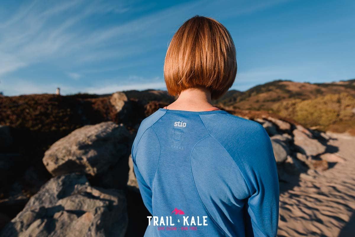Stio Clothing - stio women's divide tech tee long sleeve - trail & kale wm-7