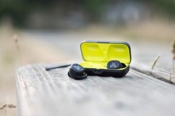 Jaybird RUN True Wireless Headphones Review (Pros And Cons)