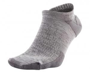 elite cushioned no show running socks nike running gift guide